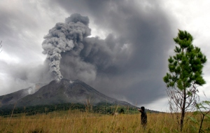 APTOPIX Indonesia Volcano Erupts